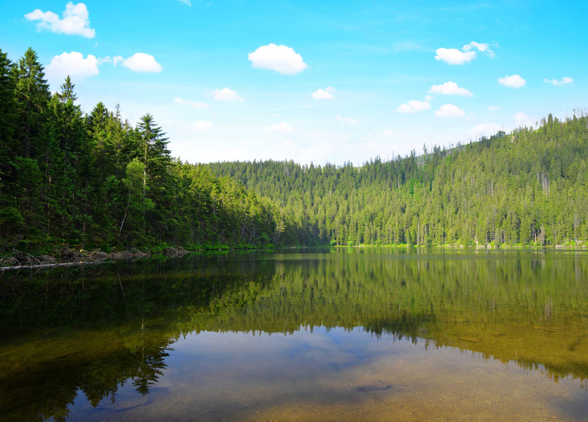 Čertovo jezero na svahu Jezerní hory
